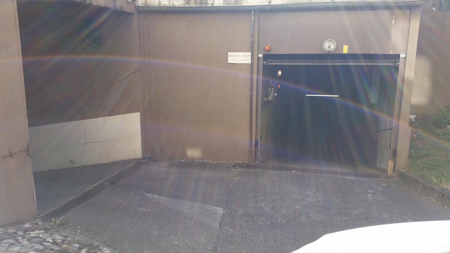 Location terrains et garages lyon agence immobili re asi for Garage lyon 2