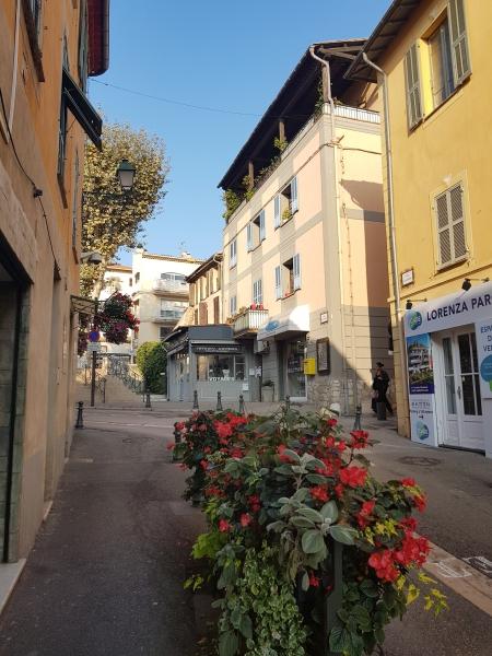 Commerce Saint-Laurent-du-Var